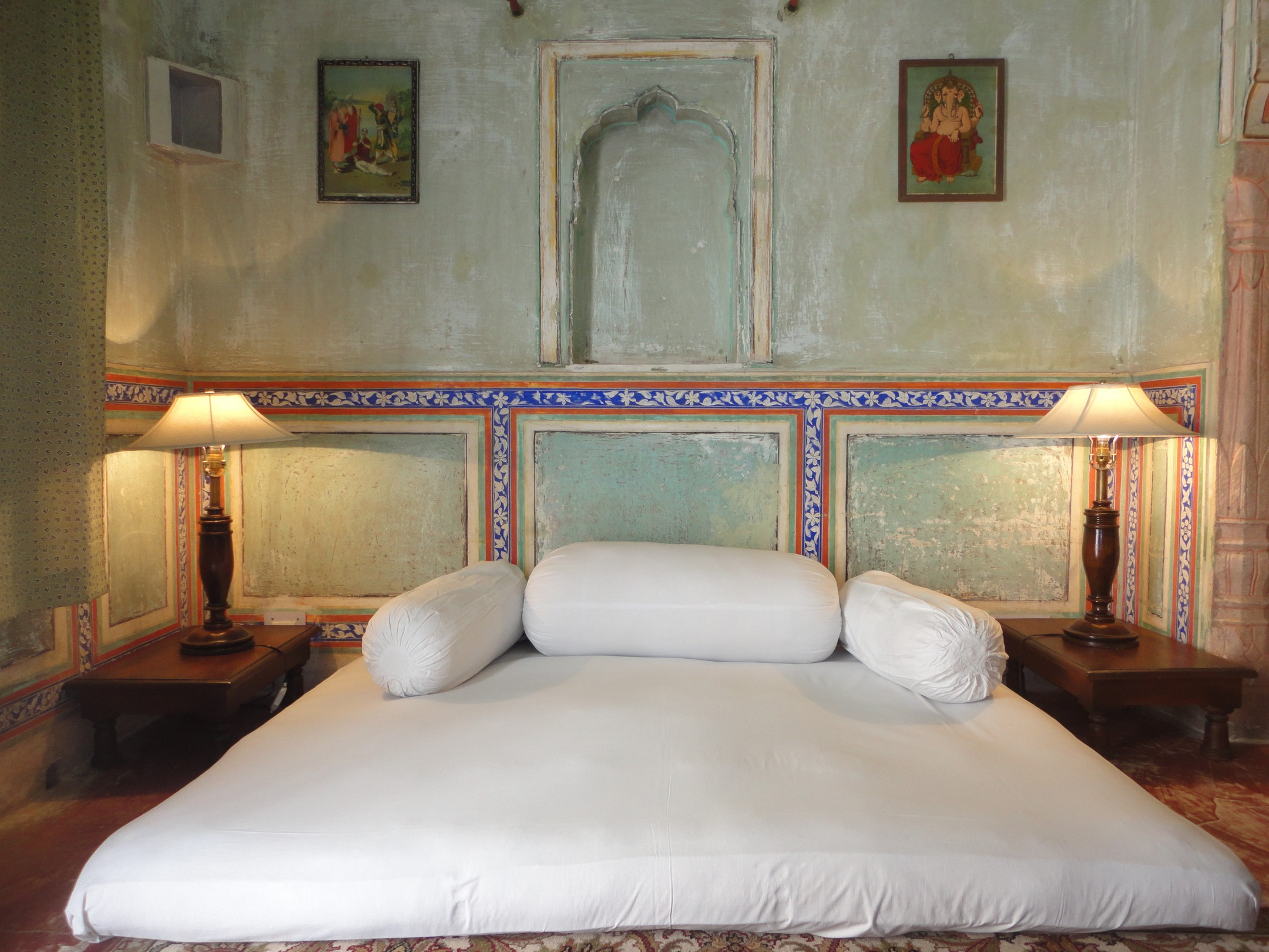 best hotels in ranthambore with swimming pool